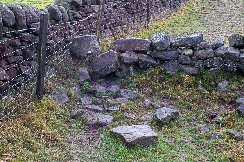 Erringden 13 wall